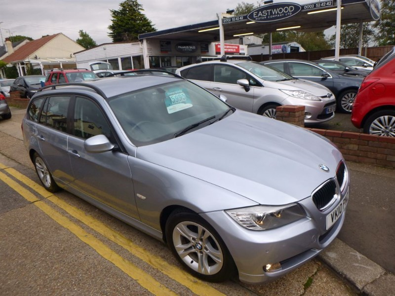 used BMW 318i ES TOURING in Essex