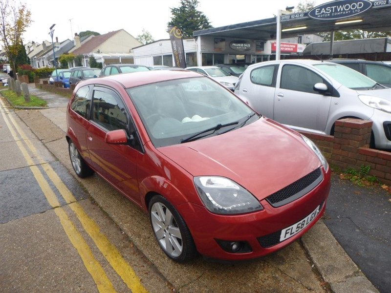 used Ford Fiesta STYLE CLIMATE 16V in Essex