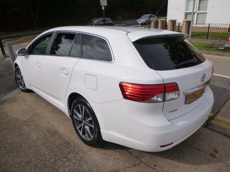 used Toyota Avensis ACTIVE in Essex