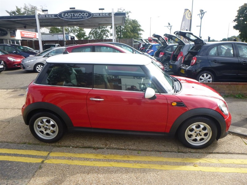 used MINI  COOPER D in Essex