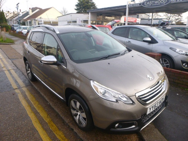 used Peugeot 2008 E-HDI ALLURE in Essex