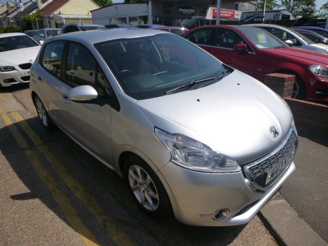 used Peugeot 208 HDI ACTIVE in Essex