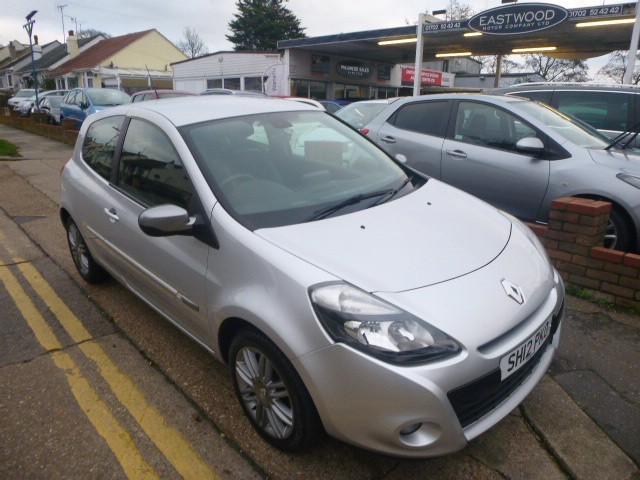 used Renault Clio DYNAMIQUE TOMTOM 16V in Essex