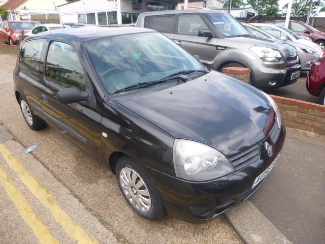 used Renault Clio CAMPUS 8V in Essex