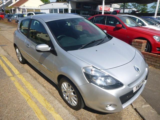 used Renault Clio DYNAMIQUE TOMTOM DCI in Essex