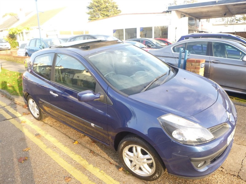 used Renault Clio DYNAMIQUE 16V in Essex