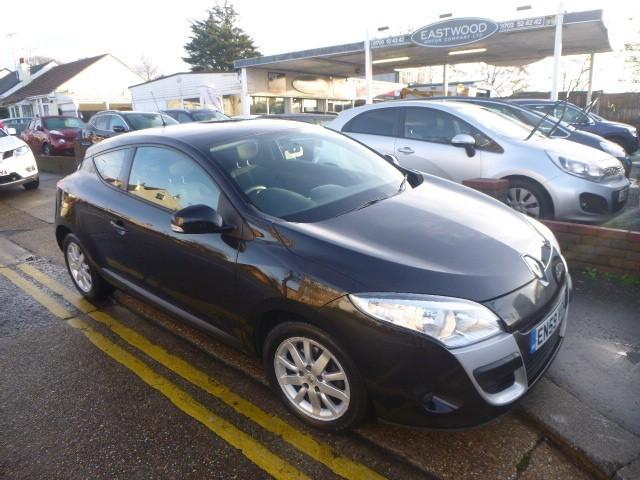 used Renault Megane EXPRESSION VVT in Essex