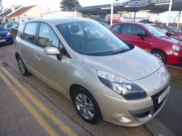used Renault Scenic EXPRESSION DCI EDC in Essex