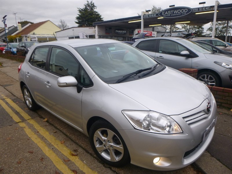 used Toyota Auris VVT-I TR in Essex