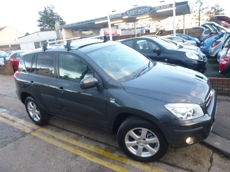 used Toyota RAV4 D-4D XTR in Essex