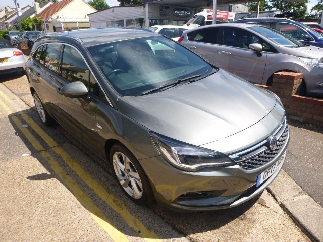 used Vauxhall Astra SRI S/S in Essex