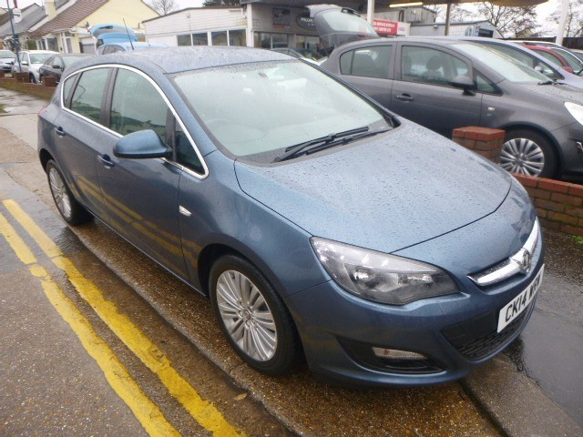 used Vauxhall Astra EXCITE in Essex