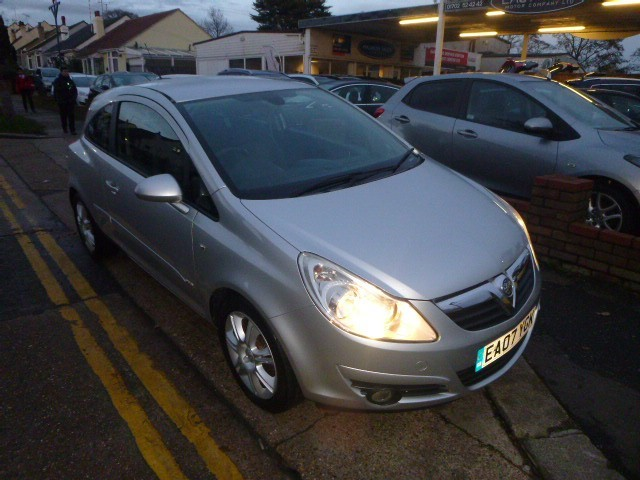 used Vauxhall Corsa DESIGN 16V in Essex