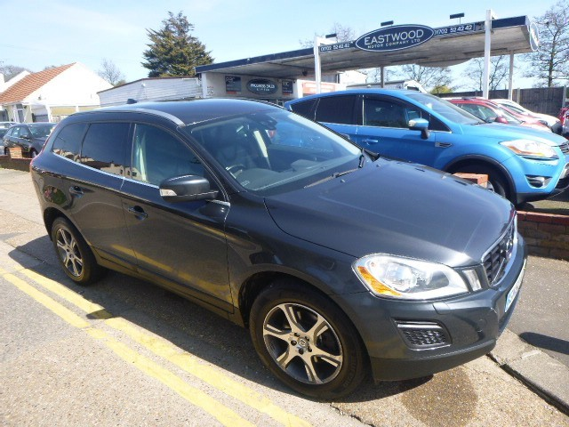 used Volvo XC60 D3 DRIVE SE LUX in Essex