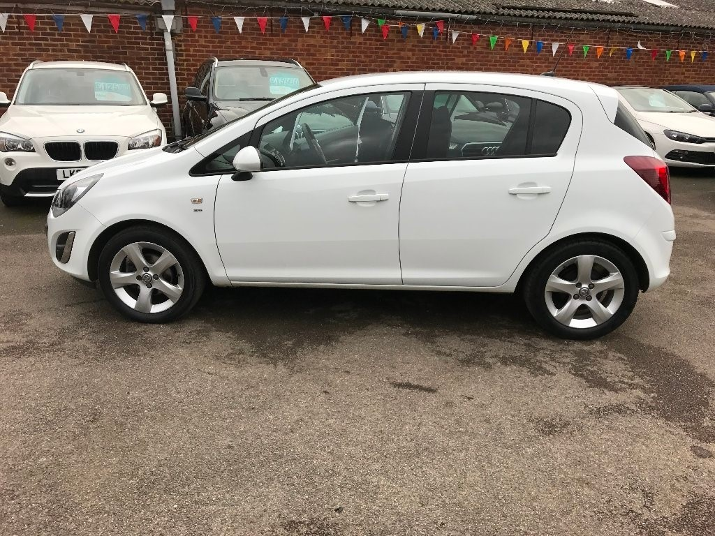 Vauxhall Corsa in Slough Berkshire - CompuCars