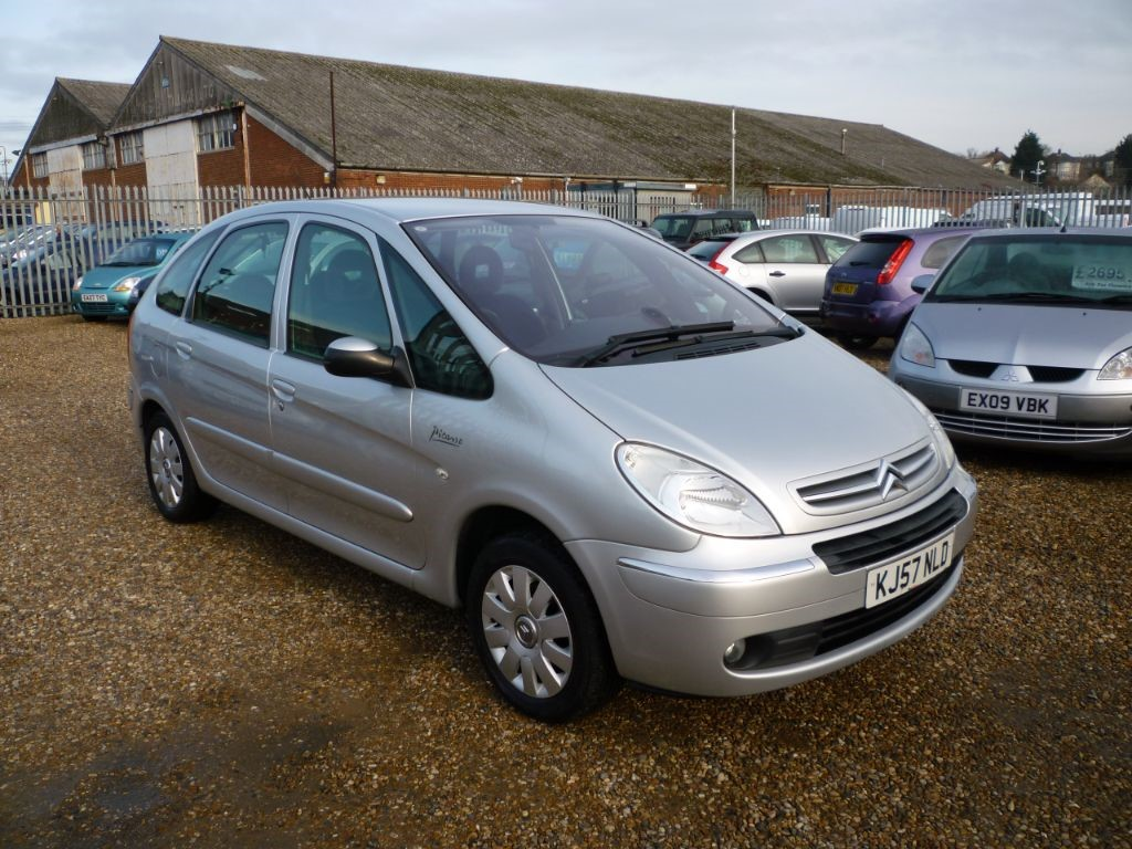 used Citroen Xsara Picasso 1.6 Exclusive HDI in in-colchester-and-essex