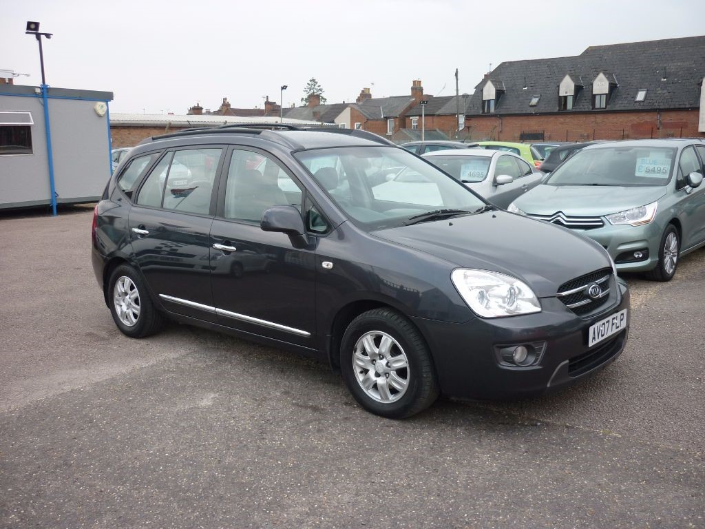 used Kia Carens  2.0 GS CRDI Automatic in in-colchester