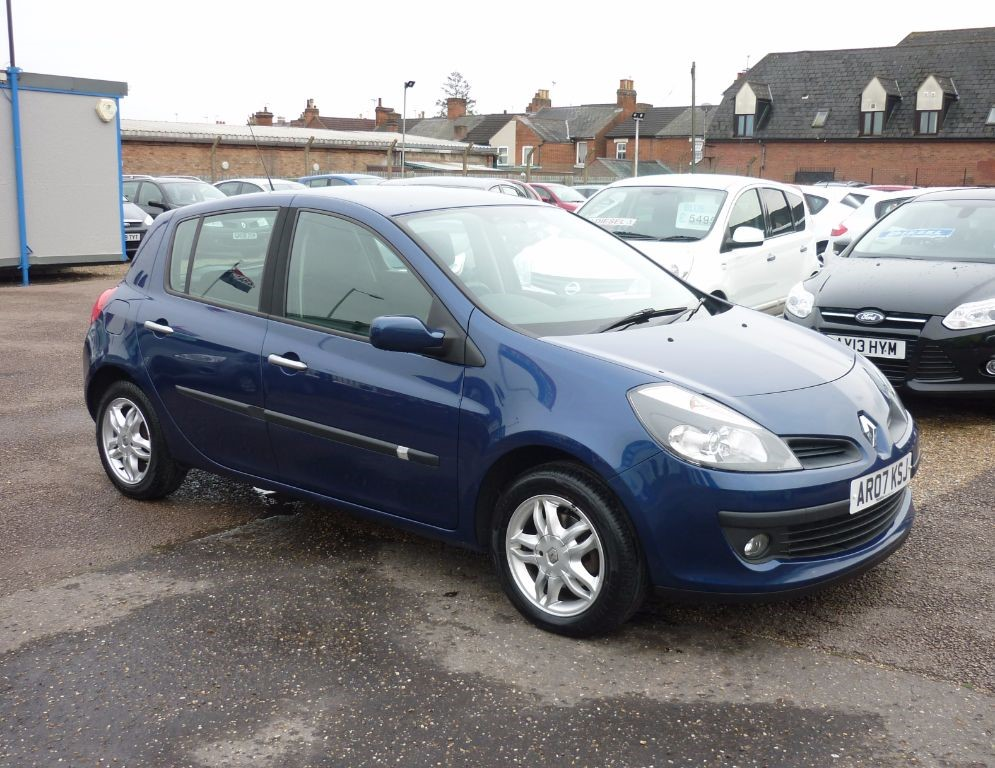 used Renault Clio 1.5 Dynamique DCI  £30 per year road tax in in-colchester