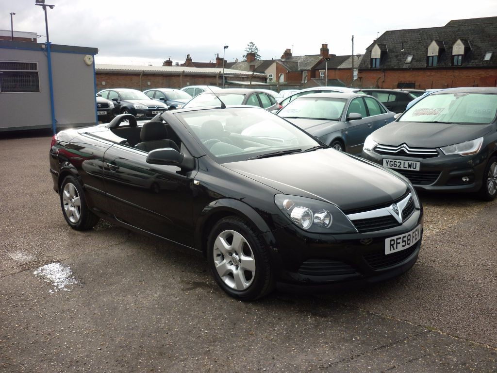 used Vauxhall Astra 1.8 Twin Top Air in in-colchester-and-essex