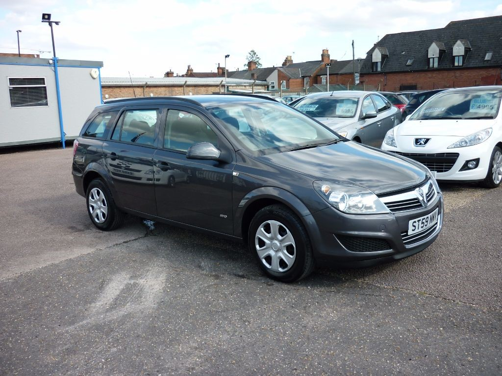 used Vauxhall Astra Life A/C Estate in in-colchester