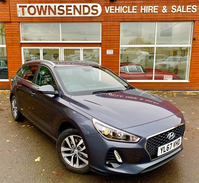 used Hyundai i30 SE Nav 1.0 T-GDi 120 Tourer **ONLY 5K MILES** in rugby-warwickshire