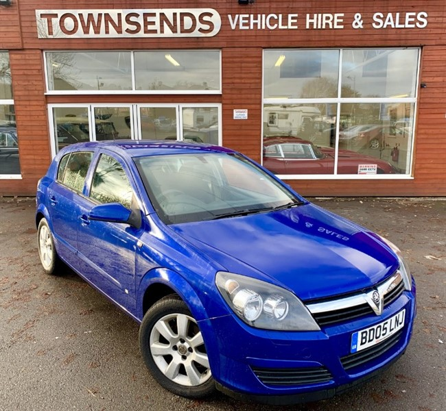 used Vauxhall Astra Breeze 1.4i 16V in rugby-warwickshire