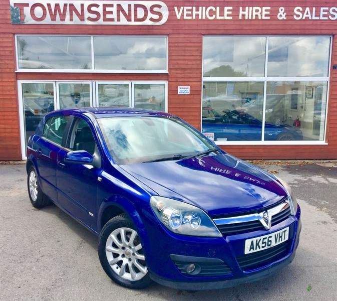 used Vauxhall Astra Design 1.8i 140PS Auto in rugby-warwickshire