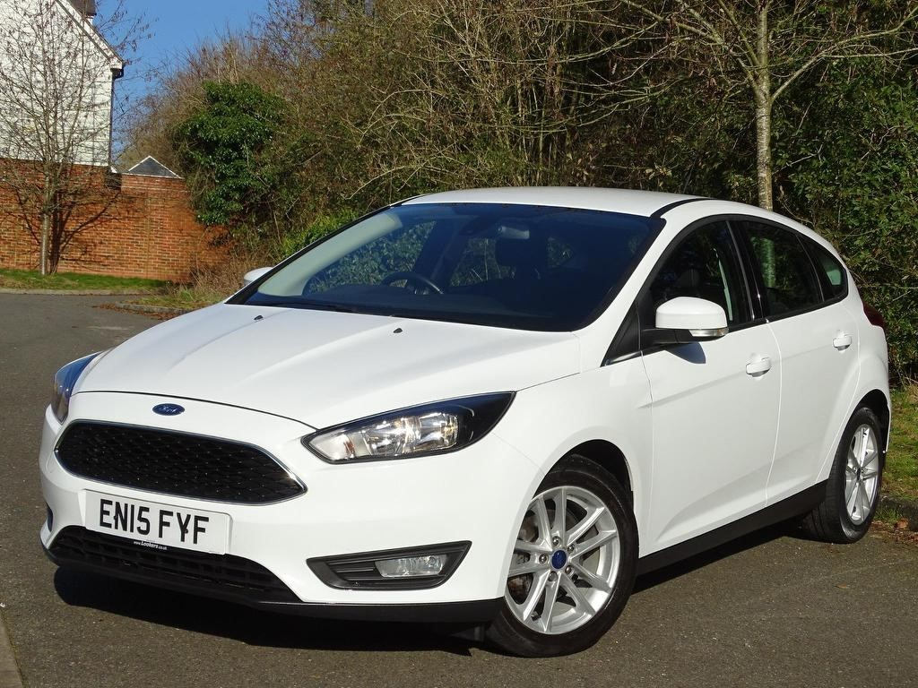 used Ford Focus T EcoBoost Zetec (s/s) 5dr in in-hampshire