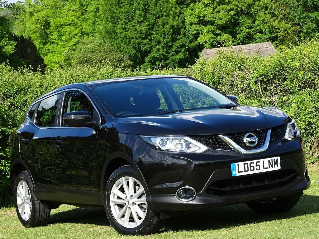 used Nissan Qashqai DIG-T Acenta 5dr in in-hampshire