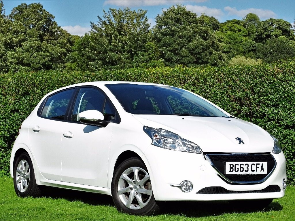 used Peugeot 208 HDi FAP Active 5dr in in-hampshire