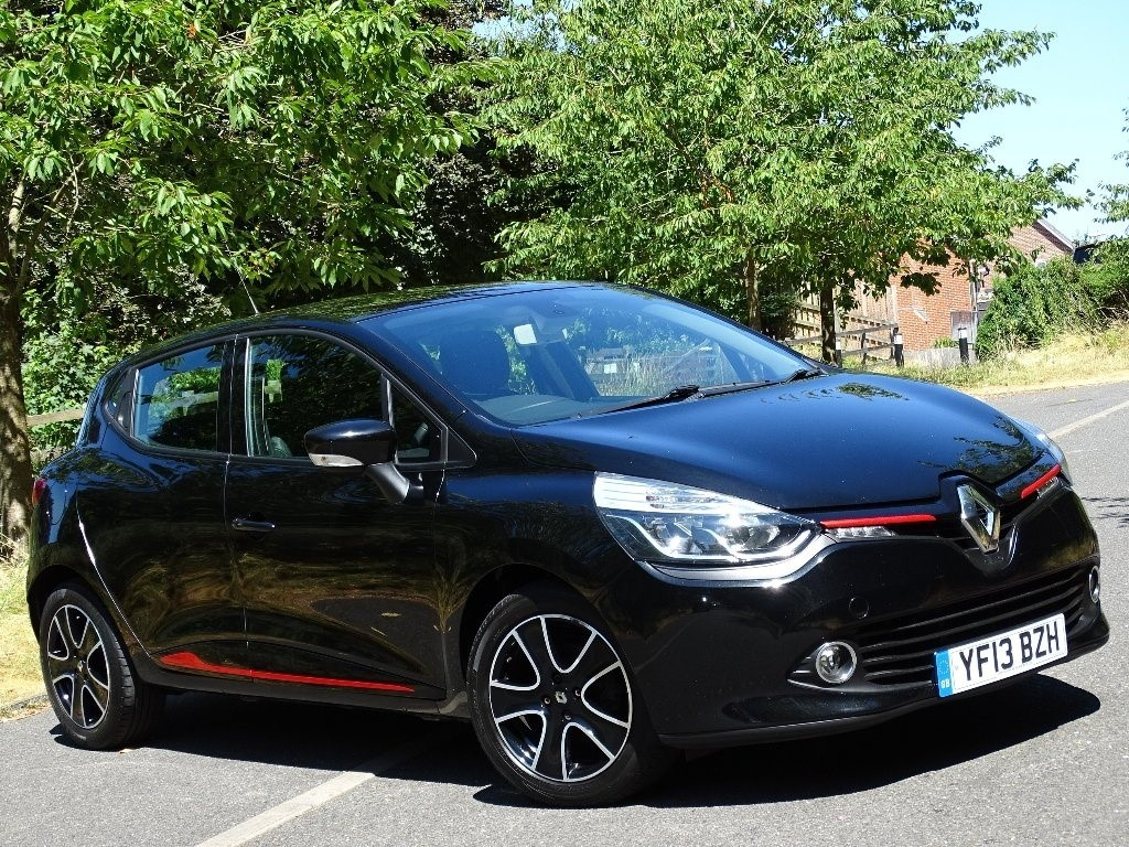 used Renault Clio TCe Dynamique MediaNav (s/s) 5dr in in-hampshire