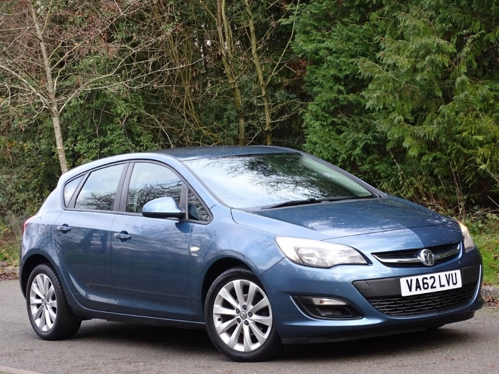 used Vauxhall Astra i VVT 16v Active Limited Edition 5dr in in-hampshire