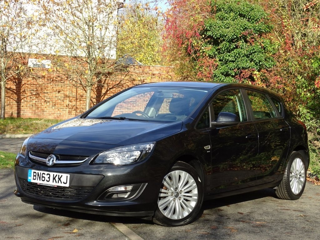 used Vauxhall Astra i VVT 16v Energy 5dr in in-hampshire