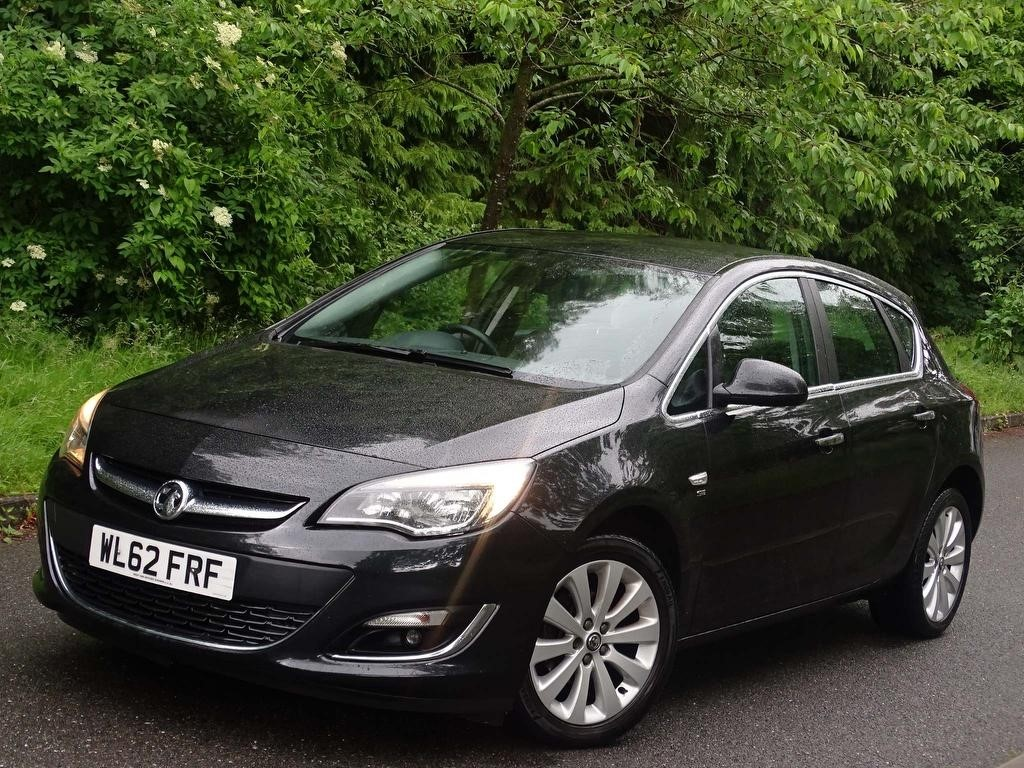 used Vauxhall Astra i VVT 16v SE 5dr in in-hampshire