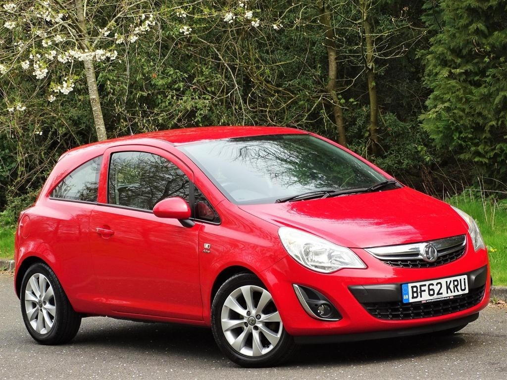 used Vauxhall Corsa 1.2 i 12v Active 3dr in in-hampshire