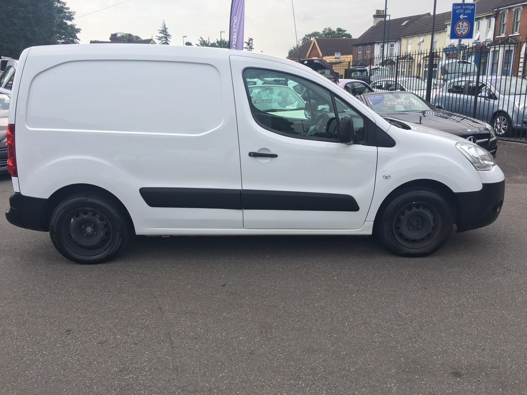 used white citroen berlingo for sale kent 2016 Opel Insignia 2016 Opel Insignia