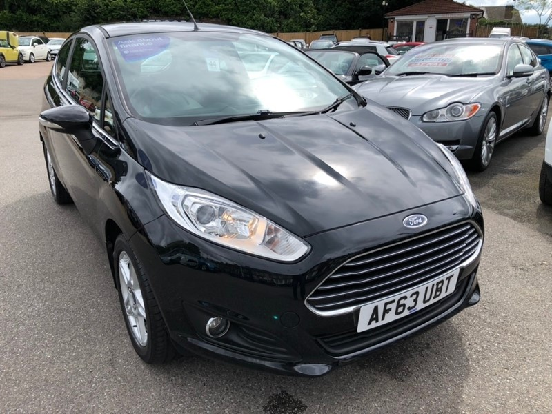 used Ford Fiesta EcoBoost Zetec (s/s) 3dr in rochester-kent