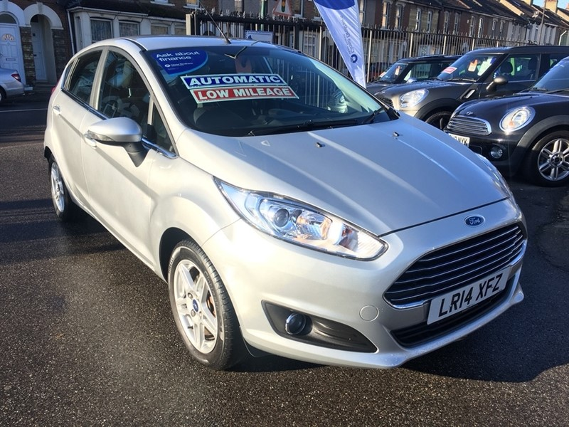 used Ford Fiesta Zetec Powershift 5dr in rochester-kent