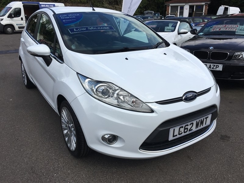 used Ford Fiesta Titanium 5dr in rochester-kent