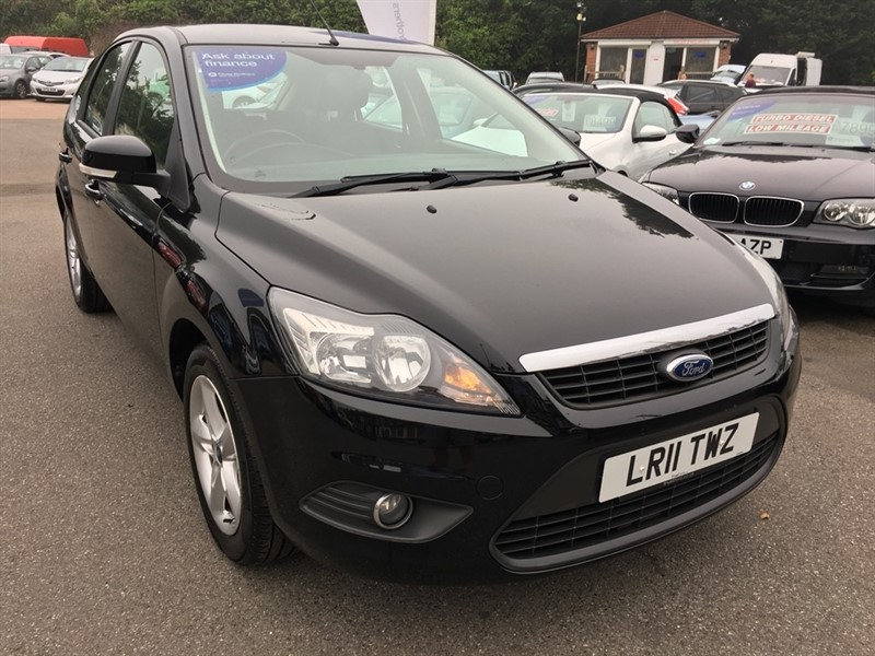 used Ford Focus Zetec 5dr in rochester-kent