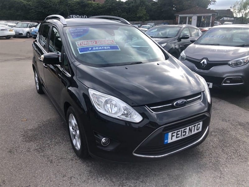 used Ford Grand C-Max Zetec in rochester-kent