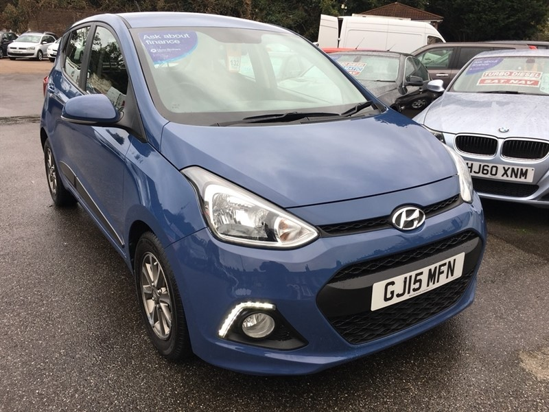 used Hyundai i10 1.2 Premium 5dr in rochester-kent