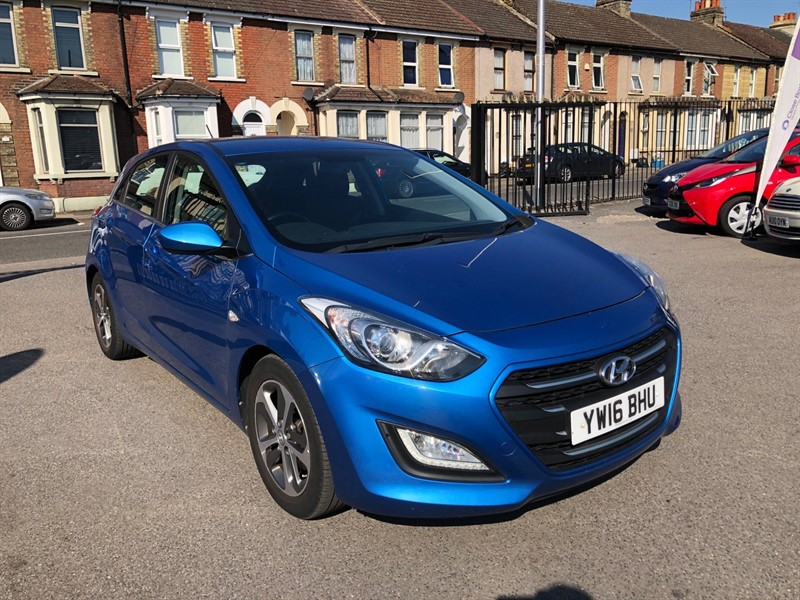 used Hyundai i30 Blue Drive SE Blue in rochester-kent