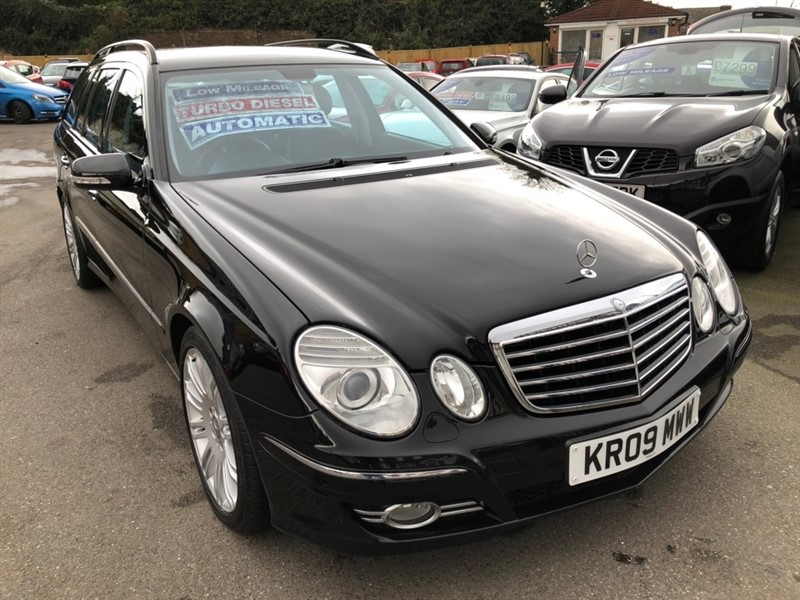 used Mercedes E320 E Class CDI Sport G-Tronic 5dr in rochester-kent