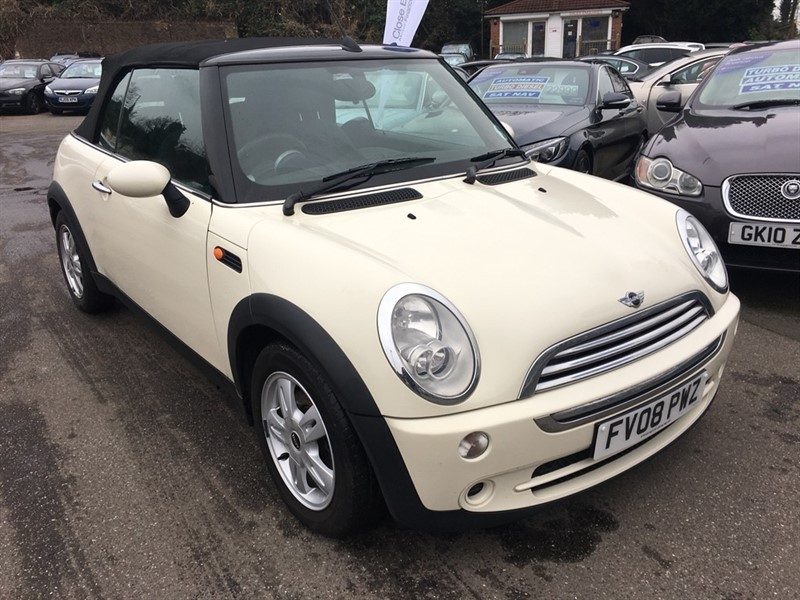 used MINI Convertible Cooper (Chili) 2dr in rochester-kent