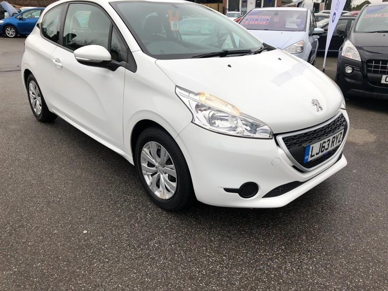 used Peugeot 208 VTi Access+ 3dr in rochester-kent