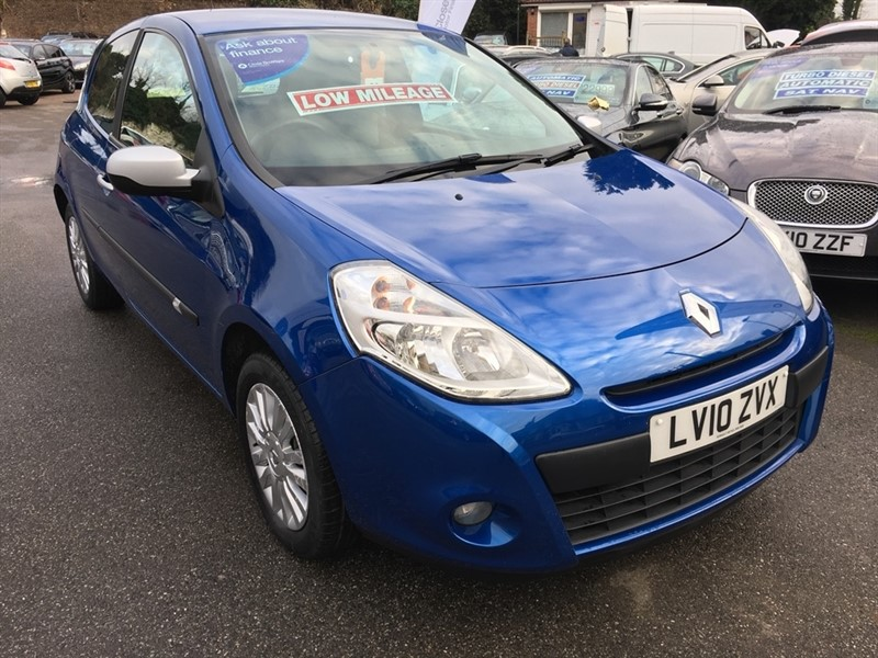 used Renault Clio 16v I-Music 3dr in rochester-kent