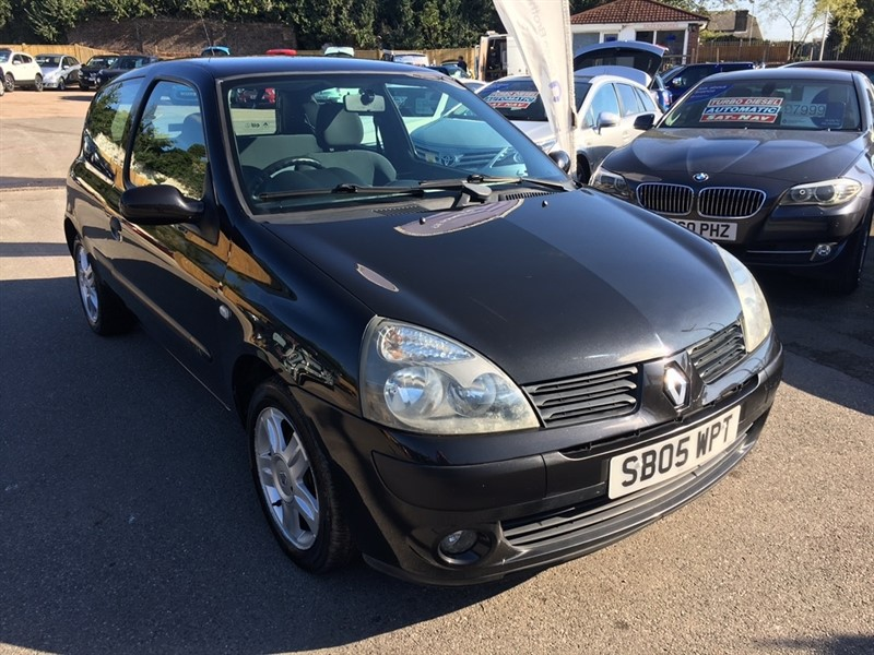 used Renault Clio 16v Extreme 4 3dr in rochester-kent
