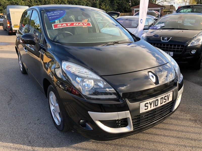 used Renault Scenic VVT Dynamique 5dr in rochester-kent