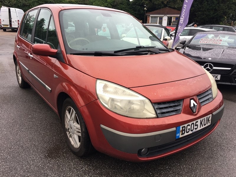 used Renault Scenic VVT Privilege 5dr in rochester-kent